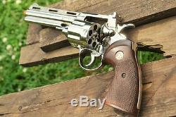 Colt Python. 357 Magnum Revolver 357 The Walking Dead Non-Firing Replica