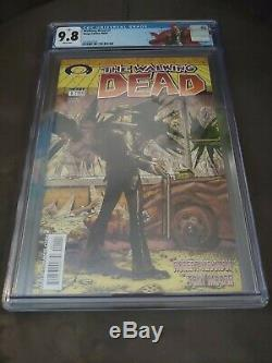 WALKING DEAD #1 CGC 9.8 1st Rick Grimes New Case