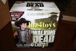 Gentle Giant Walking Dead Carl Grimes Bust Edition Exclusive Avec Insigne De Shérif