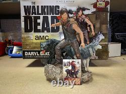 Gentle Giant Walking Dead Daryl Dixon & The Wolves Exclusive Statue Signed C. O. Un