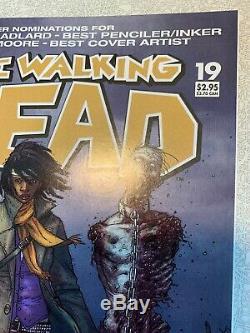 Le Dead # 19 Walking Haut Grade 1er Michonne App Key 2005 Première Impression