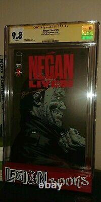 Negan Vit Numéro 1 Signé Par Robert Kirkman Cgc Art. 9.8 Maintenant En Main