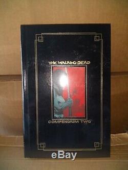Nouveau The Walking Compendium Morte 1, 2 Foil Gold Edition, Sdcc Exclusive Rare