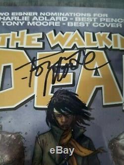 The Walking Dead # 19 Cgc 9.8 Signé Par Tony Moore 1er App De Michonne