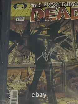 The Walking Dead #1 Cgc 9.8 Signé Par Robert Kirkman Et Tony Moore