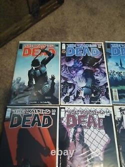 The Walking Dead # 28-37 Run Lot De 10 Questions 1er Imprime Kirkman Vf / Nm