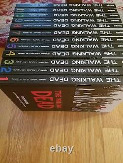 The Walking Dead Books #1-12 Hardcover Volumes. Très Excellent État