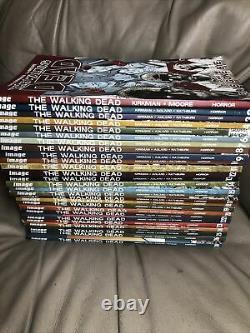 The Walking Dead Complete Set Vol 1-26,30 Livres Image Comics Tpb Lot
