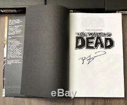 The Walking Dead Relié Omnibus Lot 1-5 # 3 Signé Par Robert Kirkman Skybound
