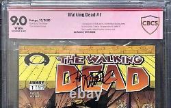 Walking Dead #1 Cbcs 9.0 Signé Par Tony Moore Not Cgc Walking Dead 1 1er Tirage
