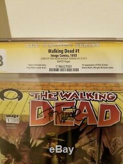 Walking Dead # 1 Cgc 9.8 Signé Par Robert Kirkman Et Tony Moore Black Label