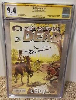 Walking Dead # 2 Cgc 9.4 Ss Signé Kirkman 1ère Lori, Carl, Glenn