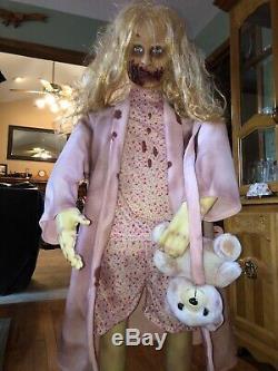 Walking Dead Teddy Bear Girl 5 Pieds De Haut Animatronic Spirit Halloween